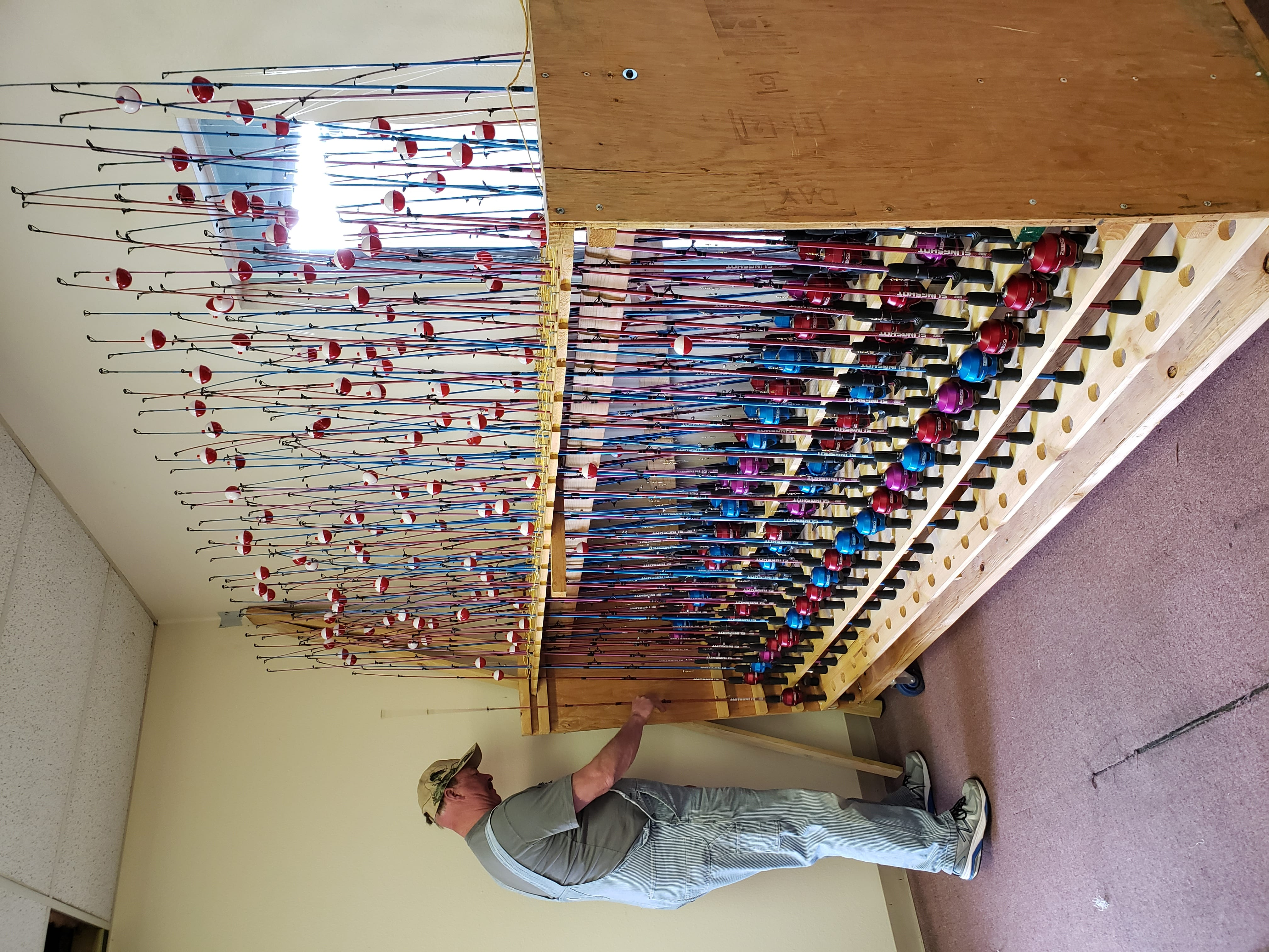 Building 3,000 fishing rods